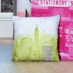 Coussin d�houssable New York Gotham Fluo building